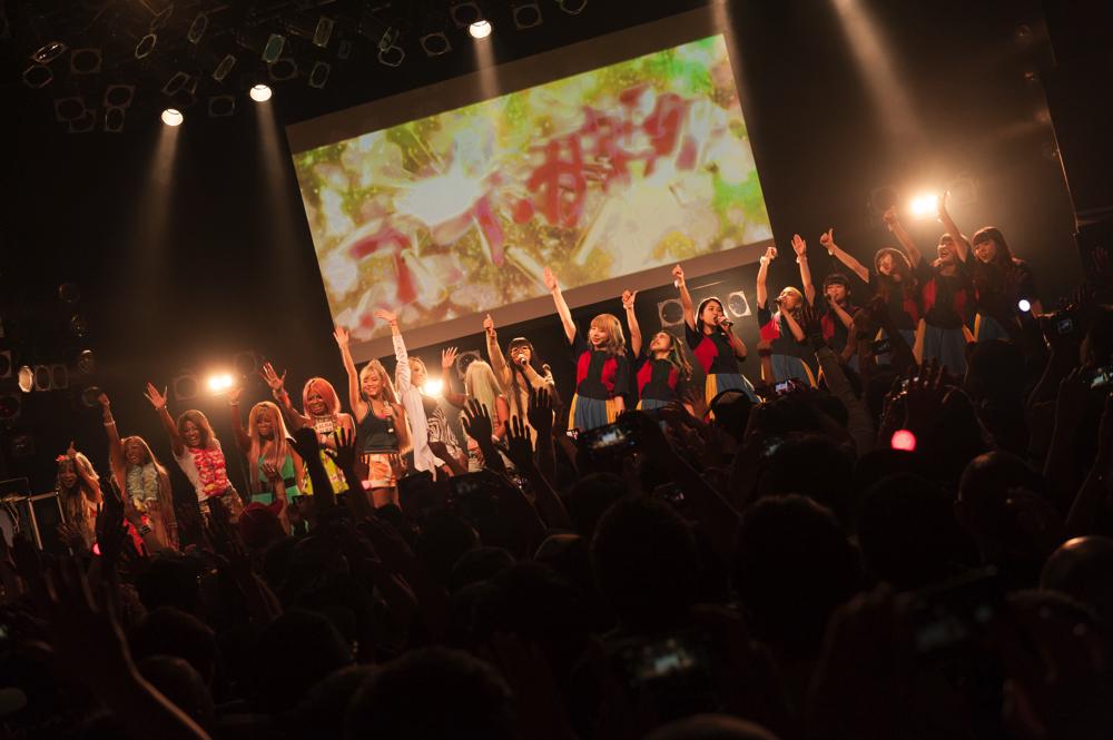 【レポート】ユイ・ガ・ドクソン「Like a virgin」6連発、ギャル&ギャンパレ総勢17名で大団円