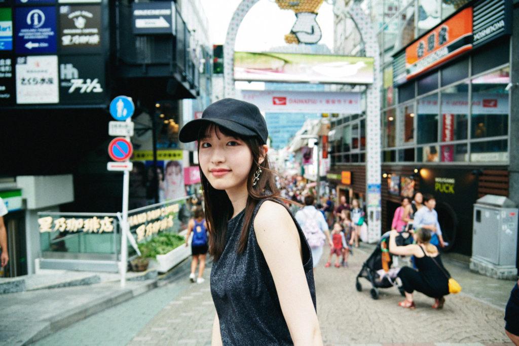 【LIVE REPORT】内田珠鈴、新曲「死は存在するのか」を原宿・竹下通りでゲリラ解禁