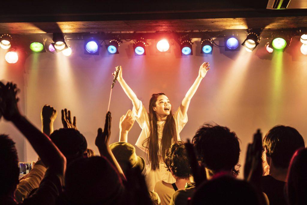 【LIVE REPORT】xiangyu、初の自主企画イベント〈香魚荘827〉で魅せた一年間の進化