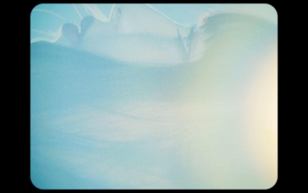 内田珠鈴、顕微鏡で撮影した『夢の中に吸い込まれる』のMV公開