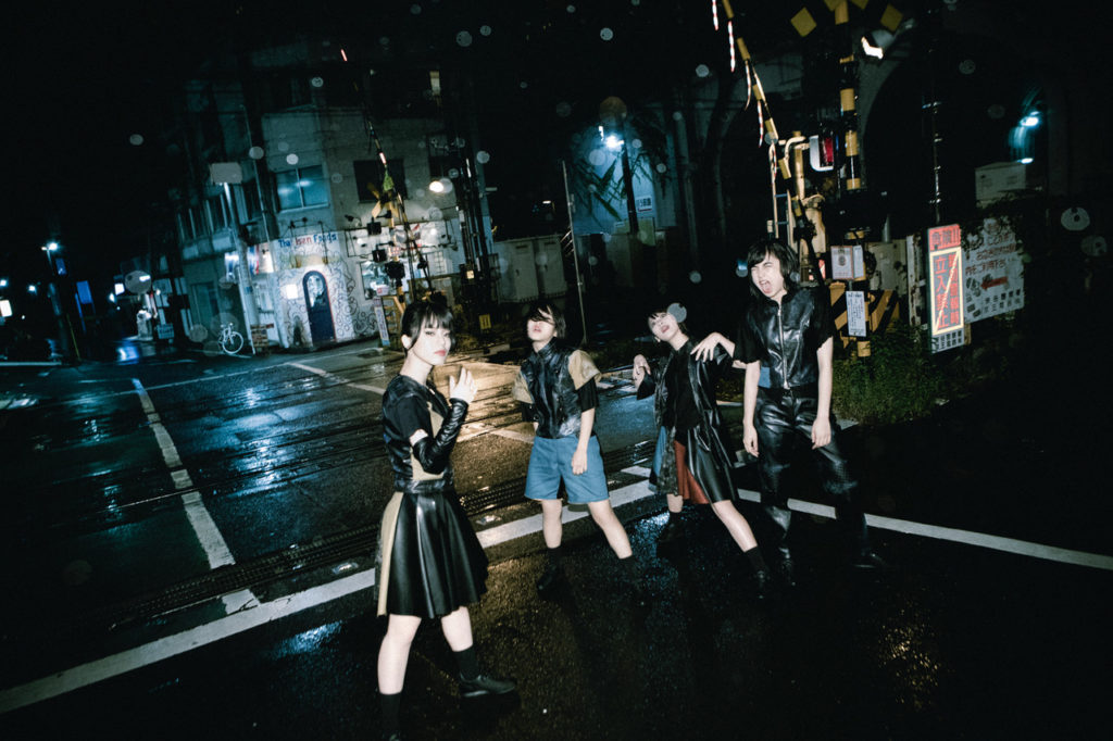 BiS、トギー作詞楽曲「FUCKiNG OUT」含む新曲2曲を無料配信