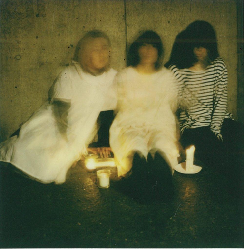 羊文学、新シングル『1999』のMV公開&完全生産限定盤CD発売