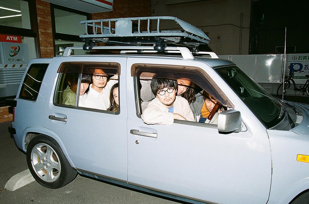 シャムキャッツ菅原慎一、「菅原慎一BAND」名義での1stシングルを7インチ・リリース