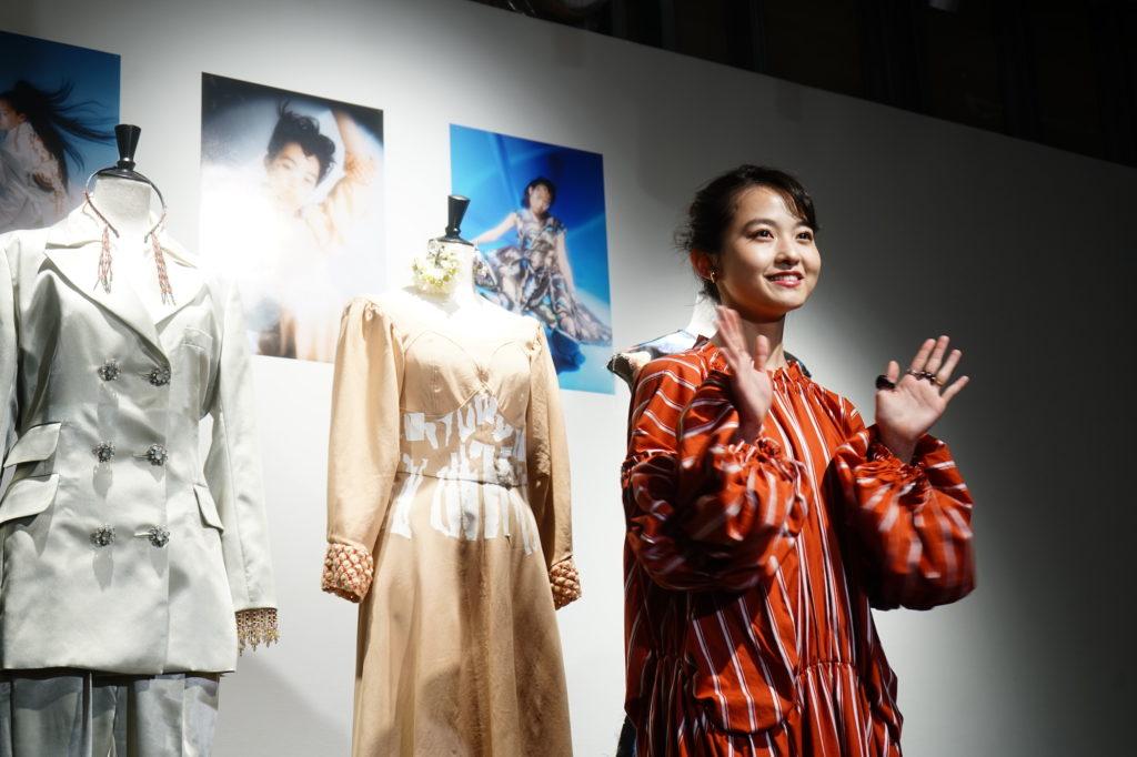 元乃木坂46伊藤万理華が渋谷PARCOで展覧会開催「HOMESICKという言葉が最初に思い浮かんだ」