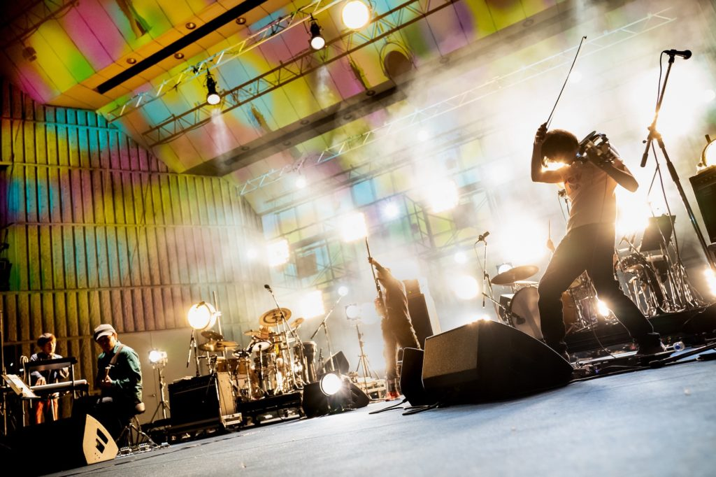 勝井祐二や山本精一らのバンド・ROVO、今年も日比谷野音で〈MDT Festival〉開催