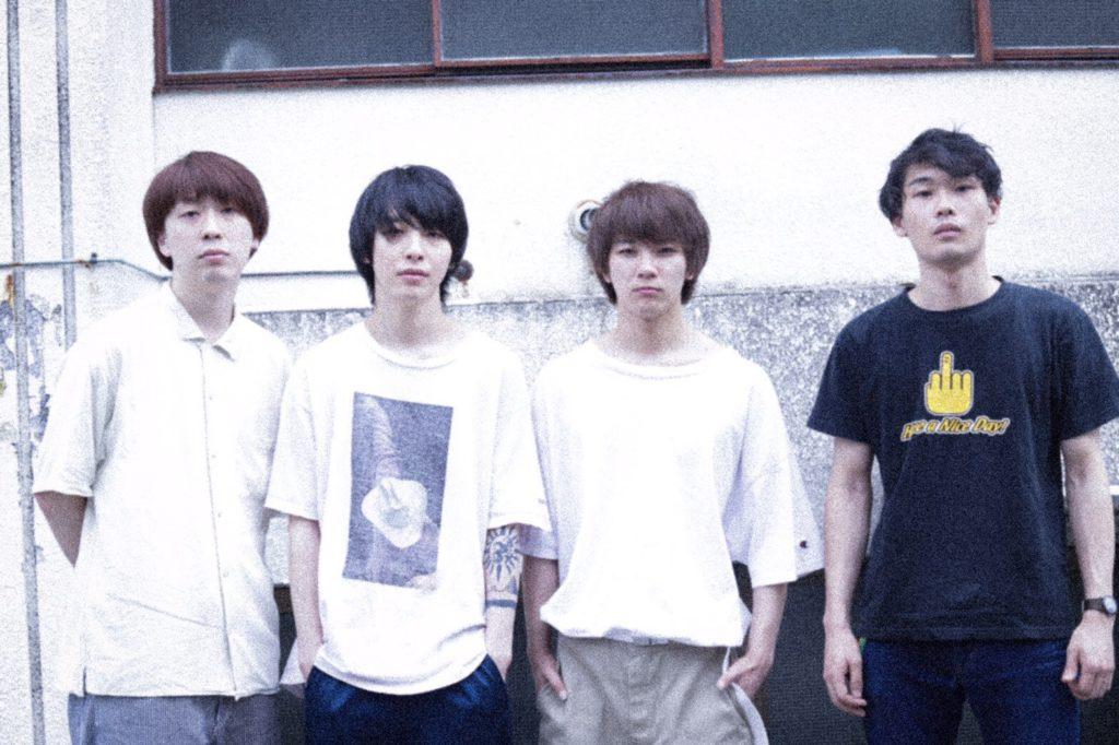"""4人組バンド""""タカナミ""""、海辺で撮影された情感溢れるMV「伊香-iko-」公開"""