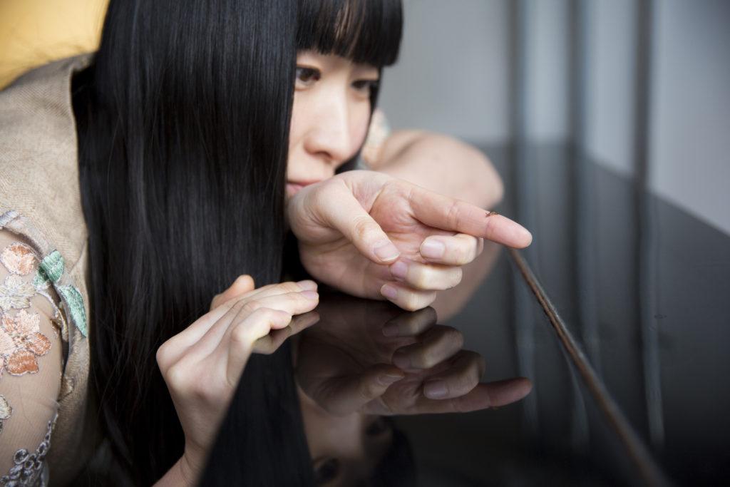 寺尾紗穂、最新アルバムのカヴァー・アート&アー写真公開