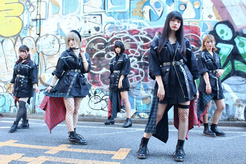 VANDARIZE、7曲入り1stミニアルバム発売&レーベルメイトTri-Sphereとの2マン開催