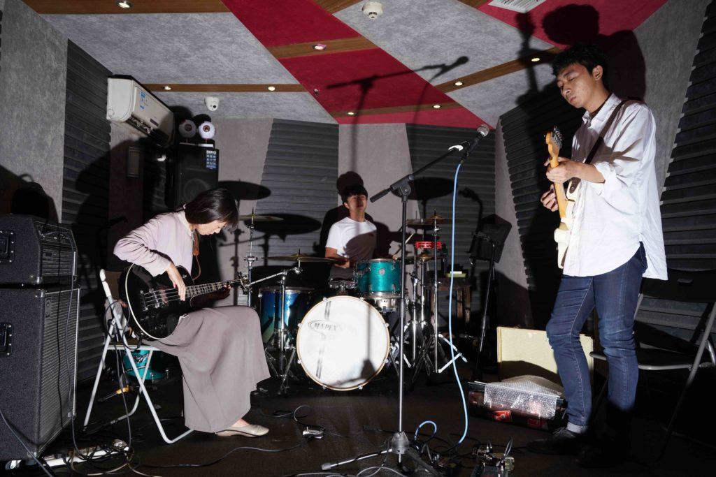 中国地下オルタナティヴシーンを代表するサイケロックバンド吹万chuiwan、アルバム『眼』を3形態でリリース