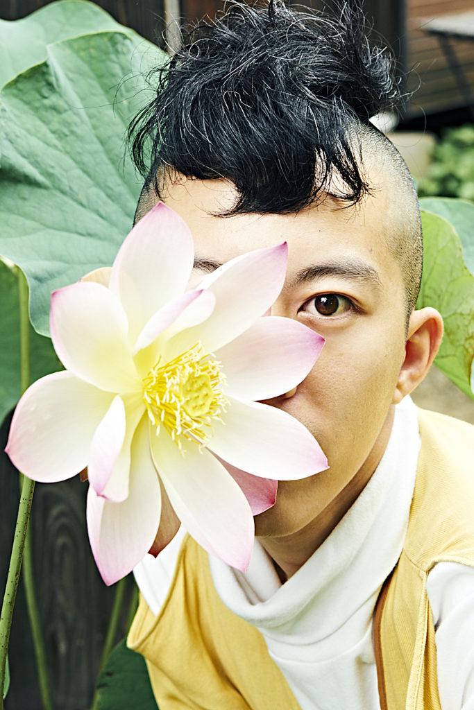 清水煩悩が天川村の廃校で11人の仲間と作り上げたアルバム──世界中がコロナという共通点を持った2020年に語る