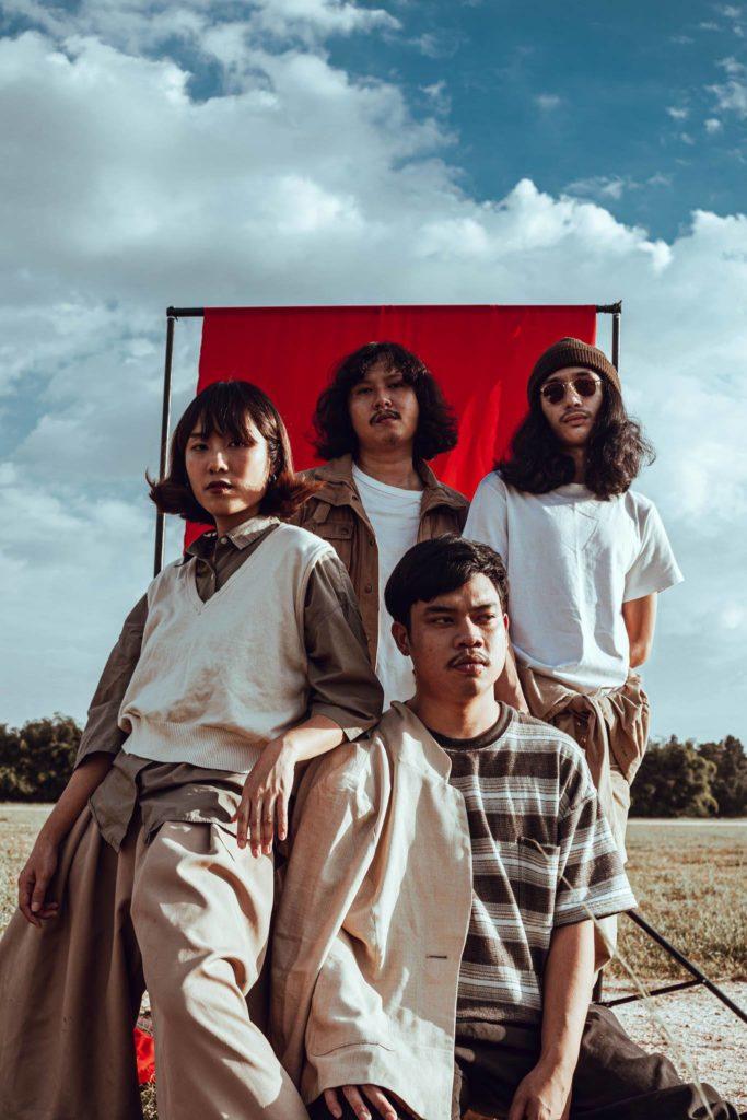 タイ・チェンマイ出身バンドYONLAPA、デビューEPをアナログとテープでリリース