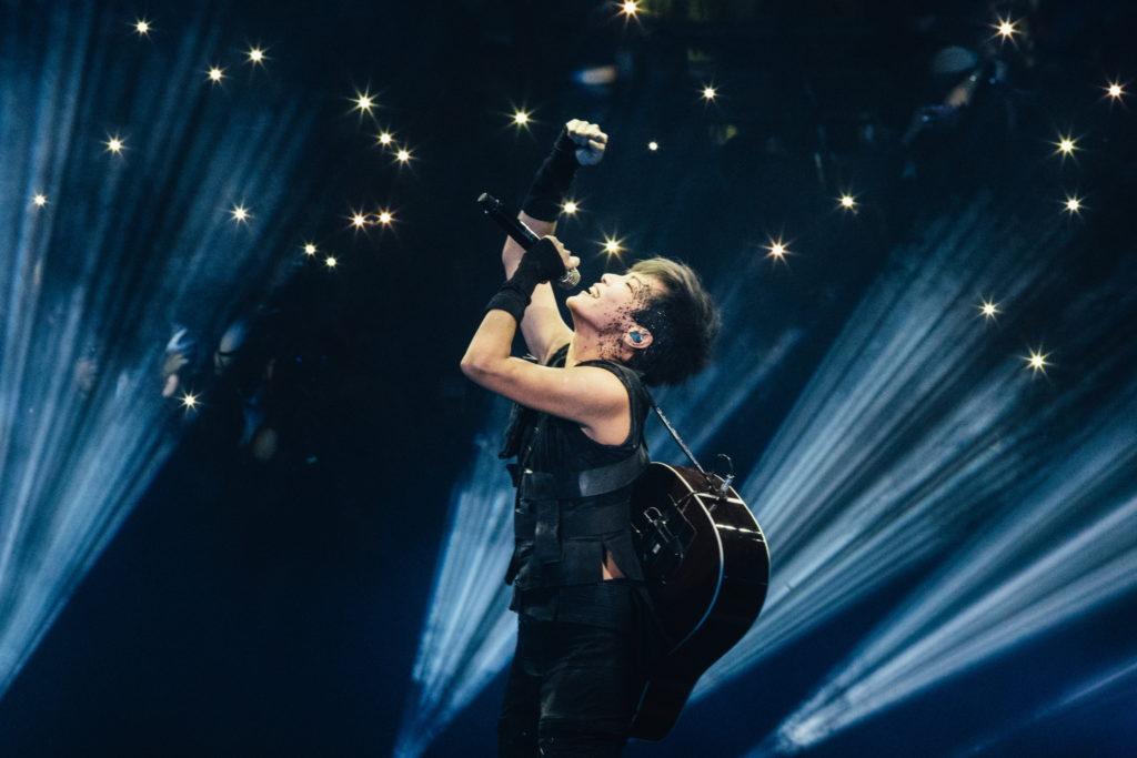 香港のスター歌手デニス・ホーを追ったドキュメンタリー映画『デニス・ホー ビカミング・ザ・ソング』、 予告編公開