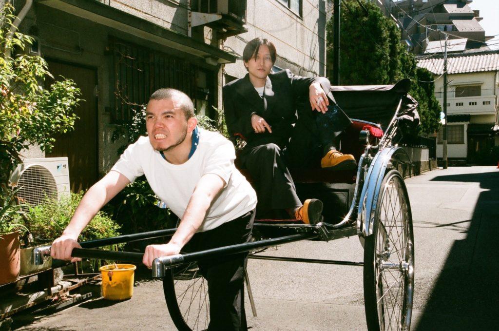 MOROHA、東名阪を巡る春ツアー開始に先駆けエリザベス宮地撮影の新アー写公開